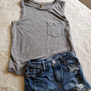 Tops - Cotton tank top with pocket